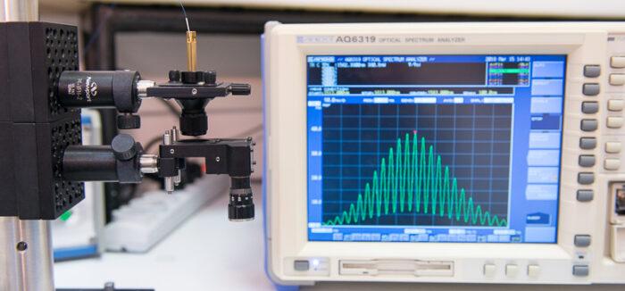 Innowacyjny, diamentowy czujnik światłowodowy opracowany naPolitechnice Gdańskiej
